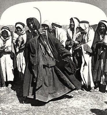 donna beduina che danza con la spada (1919)